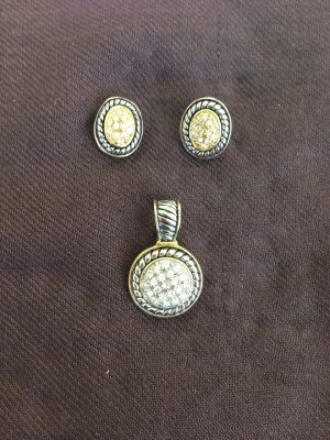 Costume Jewelry Oval Earring and Pendant Set